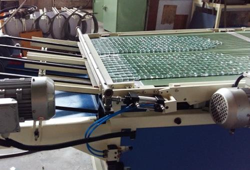 玻璃自动冲压掰粒排版机